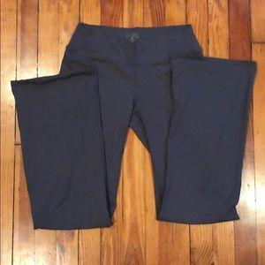 Athleta Yoga Pants Size MT Grey